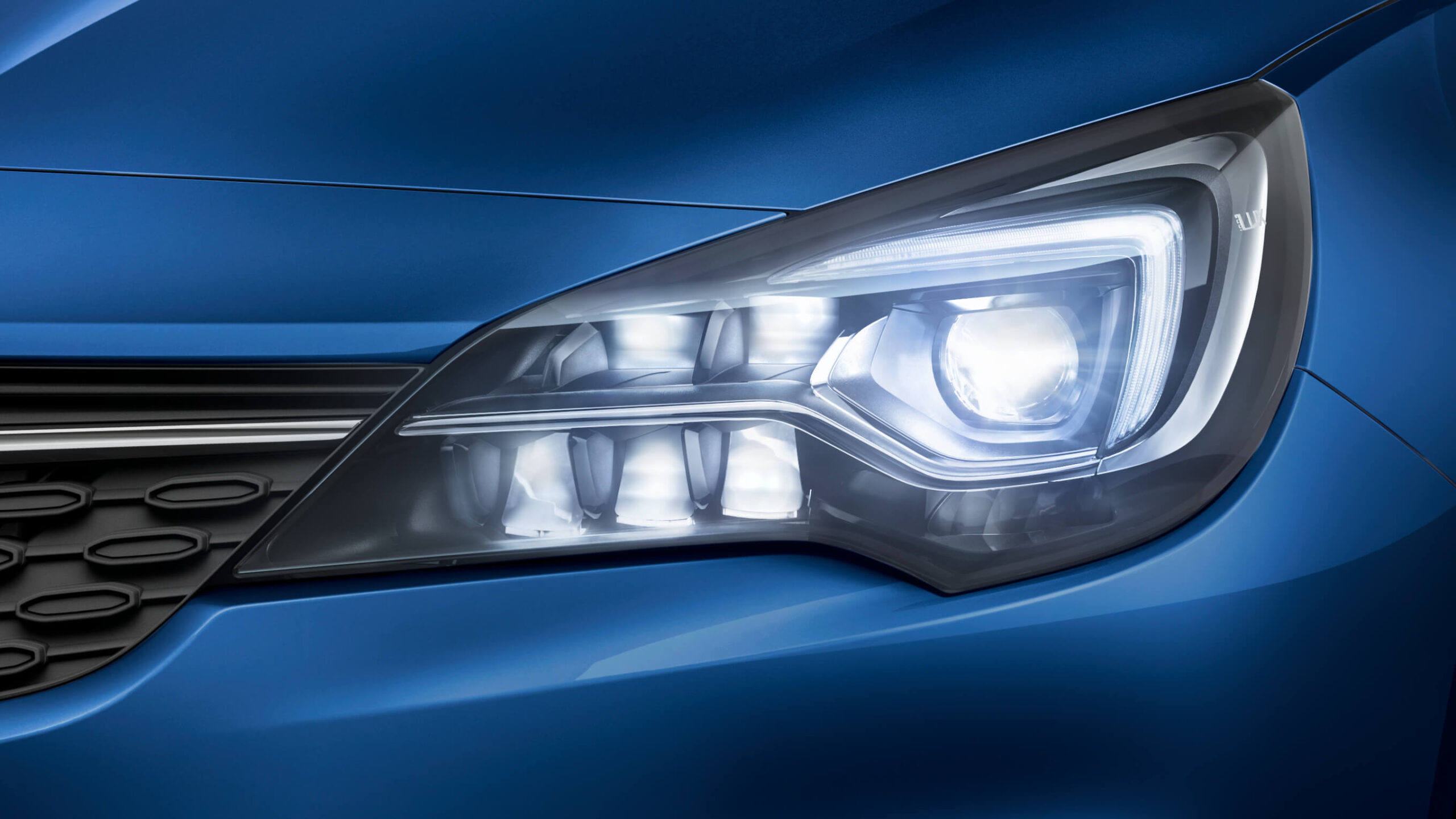 Opel_Astra_LED_Matrix_Light